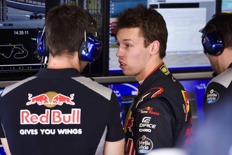 © Getty Images / Red Bull Content Pool - Daniil Kvyat va devoir beaucoup travailler ce soir avec ses ingénieurs