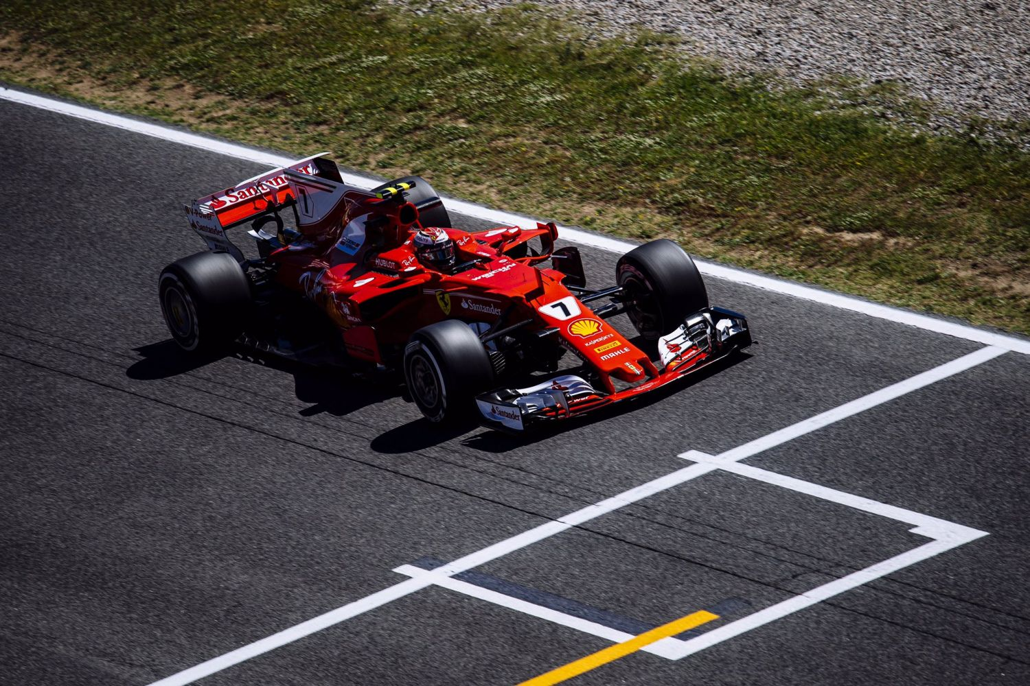 © Ferrari - La Scuderia se replace avant les qualifications