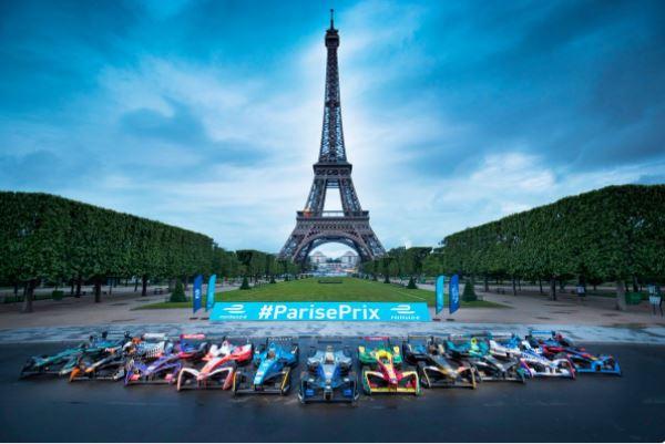 Photo de famille avant le deuxième ePrix de Paris !