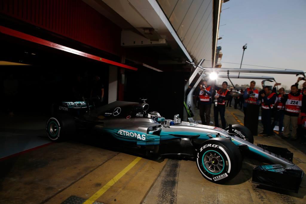 © Mercedes - La star des projecteurs n'a pas déçu à l'occasion des premiers tours de roue