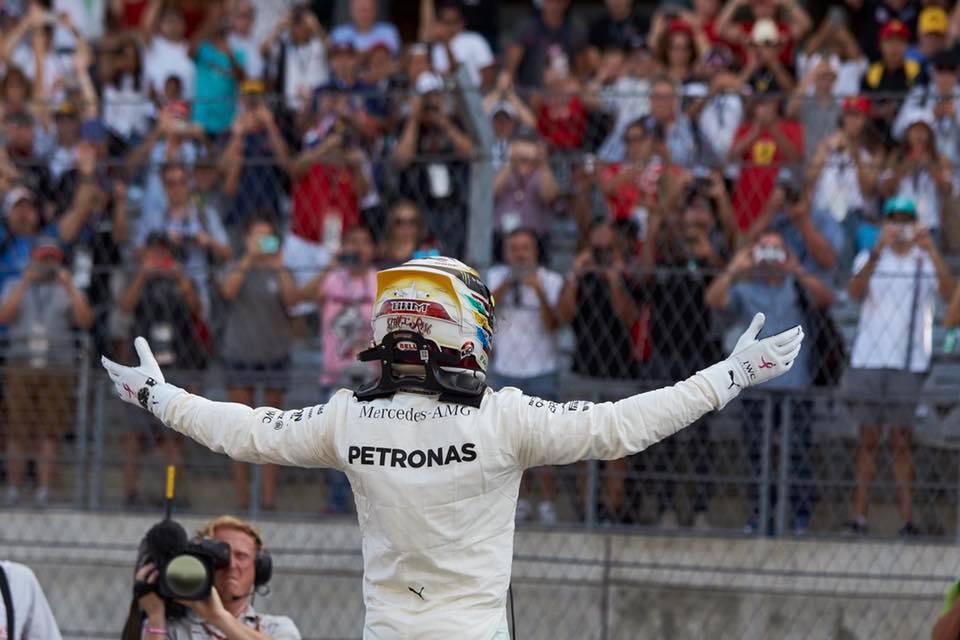 Lewis Hamilton n'aura été menacé qu'en début de course par Sebastian Vettel