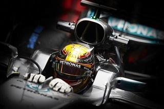 © mercedes:  Lewis Hamilton retrouve la pole position!