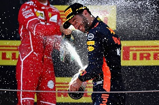 © Red Bull - Douche au champagne inespérée pour Ricciardo