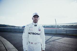 © Mercedes - Lewis Hamilton va porter les couleurs de Tommy Hilfiger