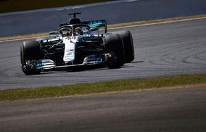 © Mercedes - Hamilton décorche une pole de haute lutte face à Vettel