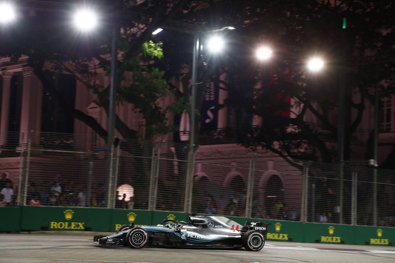 © Mercedes - Lewis Hamilton a ébloui la séance dans les rues de Singapour !