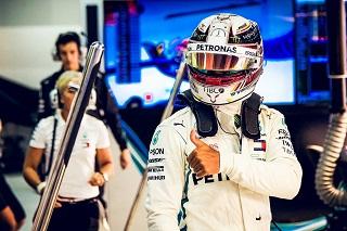 © Mercedes - Hamilton et Mercedes passent en tête à Sotchi