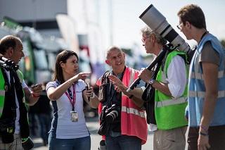 © Morgan Mathurin - Magali Bernard en plein action, entourée de photographes sur le Circuit Paul Ricard