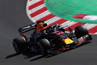 © Red Bull - Max Verstappen en piste
