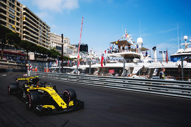 © Renault - Des F1 du port de Monaco au port de Marseille !