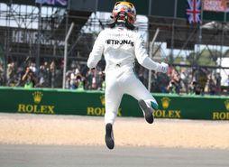 © Sky Sports - Soulagé, Lewis Hamilton a laissé éclater sa joie à sa descente de voiture !