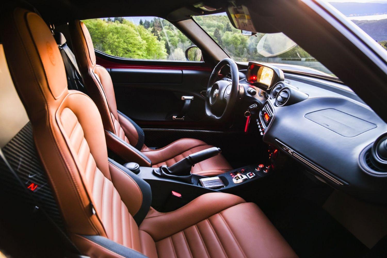 Habitacle de l'Alfa Romeo 4C