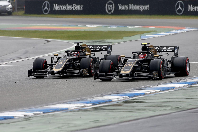© Haas - Troisième contact de la saison entre les deux pilotes Haas