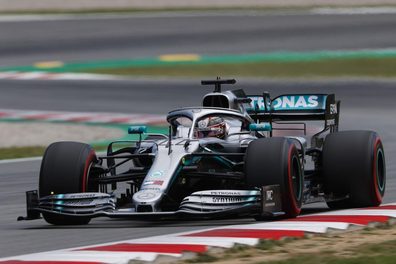 © Mercedes - Lewis Hamilton a pris les devants dès le premier virage