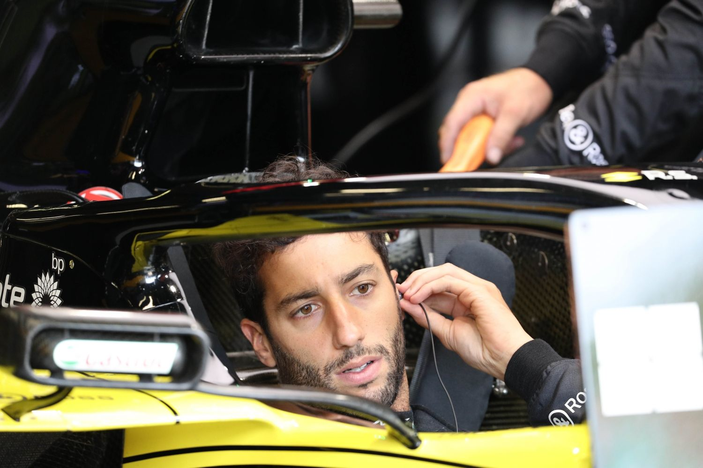 © FIA - Ricciardo dans les garages de Renault lots des qualifications hier à Monza