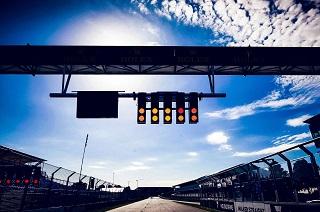© Mercedes - A quand l'extinction des feux du premier GP de la saison ?