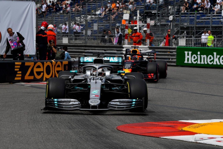 © Mercedes - Hamilton s'impose de justesse à Monaco !