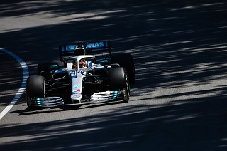 © Mercedes - Hamilton remporte la course malgré sa deuxième place...