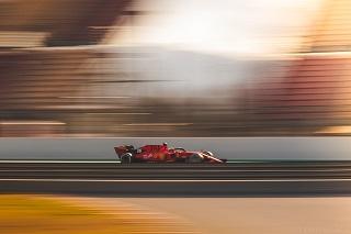 © Nicolas Delpierre/Motorsinside - Ferrari et Leclerc devant