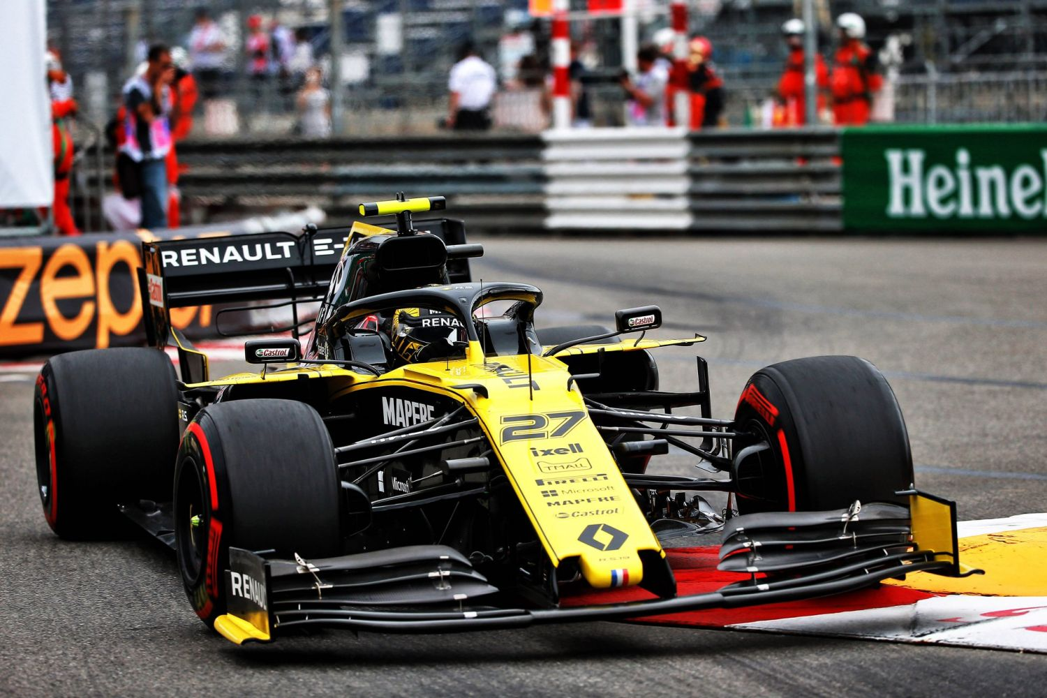 Exclusif - Monaco : immersion avec le Renault F1 Team !