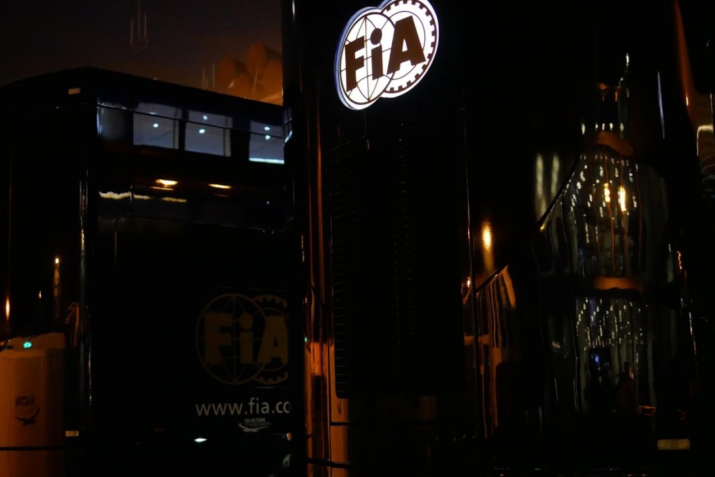 © Motors Inside - Les camions de la FIA dans le paddock