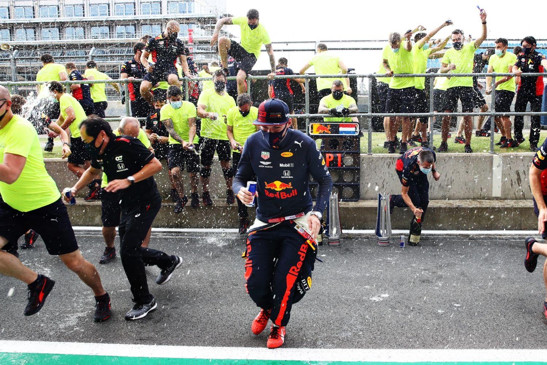 © Getty / Red-Bull - Max Verstappen et son équipe peuvent enfin célébrer une victoire en 2020 !