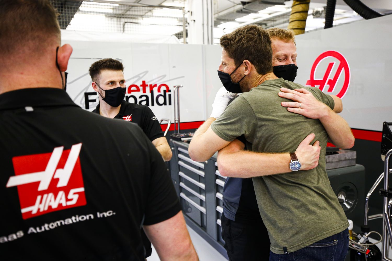 Grosjean avec son équipe