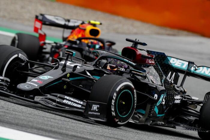 © Mercedes - Hamilton part finalement derrière Verstappen sur la première grille de la saison 2020 !