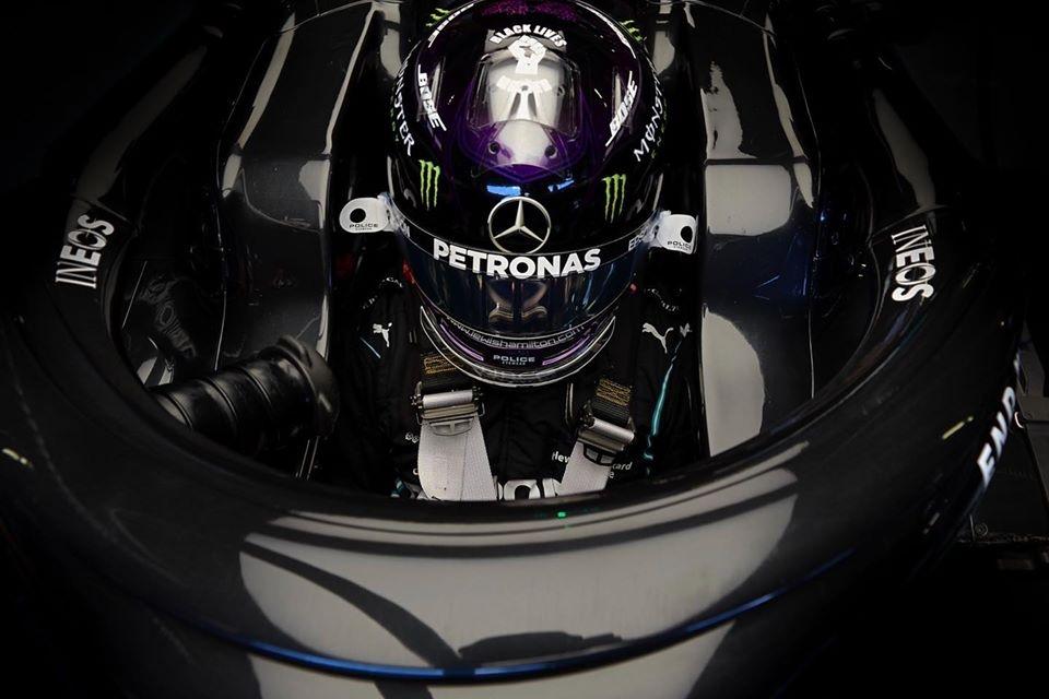 © Mercedes - Sous la piste détrempée du Red Bull Ring, Lewis Hamilton s'offre la pole du Grand Prix de Styrie !