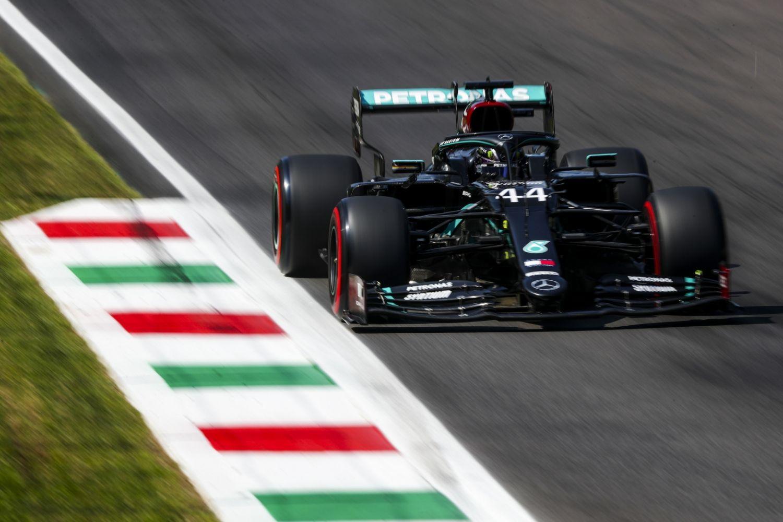 © Hamilton égale Schumacher et remporte le GP de l'Eifel
