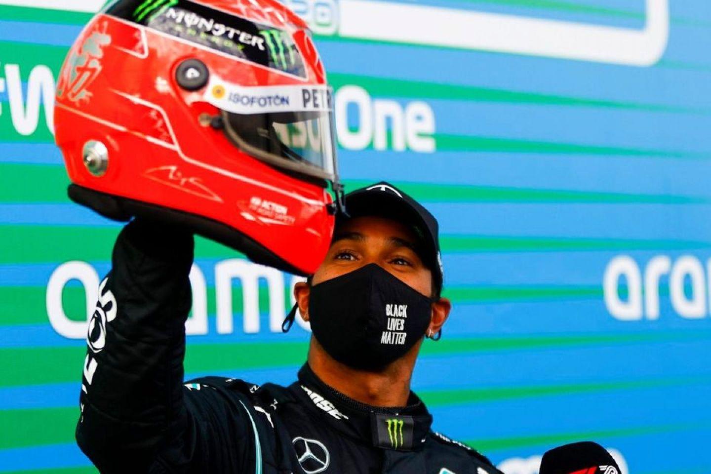 Lewis Hamilton et le casque de Michael Schumacher en Allemagne