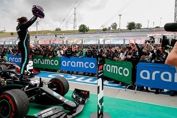 © Mercedes - Hamilton auteur du tour le plus rapide en course