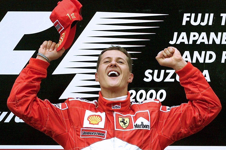 © Michael Schumacher Official Facebok - Michael Schumacher au sommet du podium à Suzuka en 2000, le moment de son premier titre pilotes avec Ferrari !