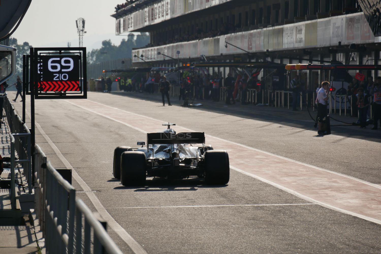 © Motors Inside - La pitlane F1 à Barcelone