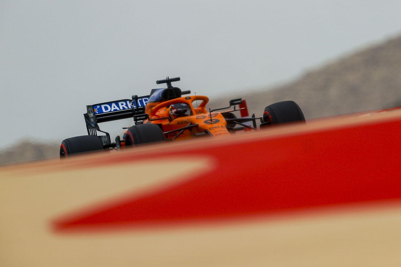 © Pirelli - Nouveau logo pour s'imprégner de la couleur papaye