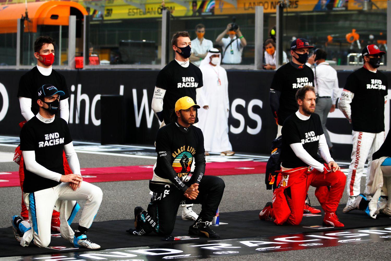 Hamilton a été l'initiateur de plusieurs moments forts sur les Grand prix en 2020 comme le genou à terre sur la grille de départ.