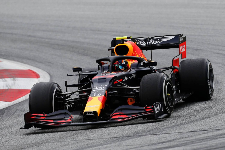 © Red Bull - Albon a encore perdu un podium après un accrochage avec Hamilton !