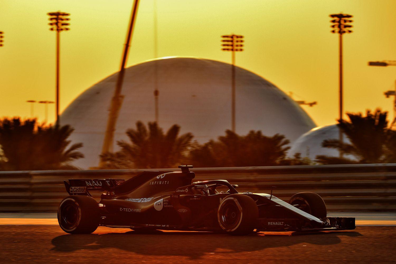 © Alonso de retour chez Renault avec cette livrée noire