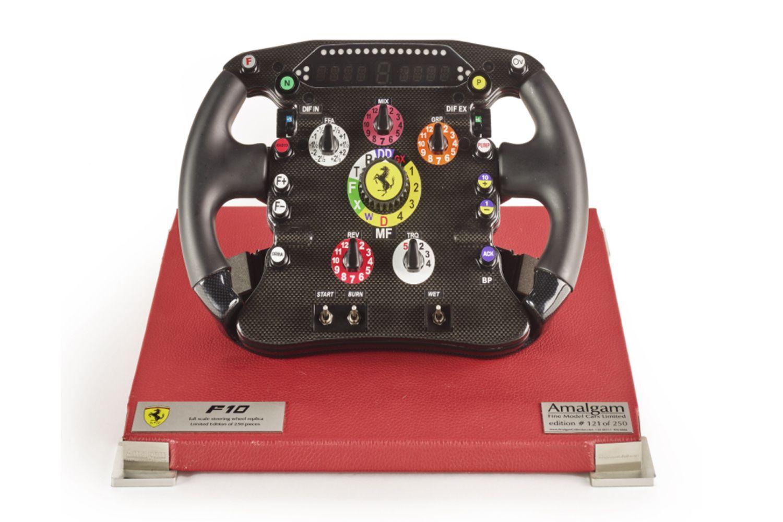Réplique du volant de la F10