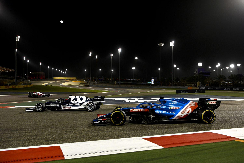 Tsunoda et Alonso au frienage à Bahreïn le mois dernier