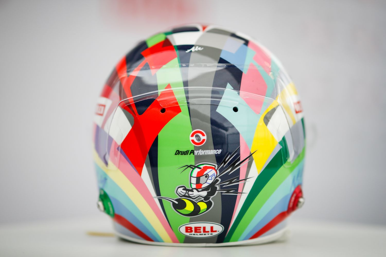 Nouveau casque pour Giovinazzi à Imola
