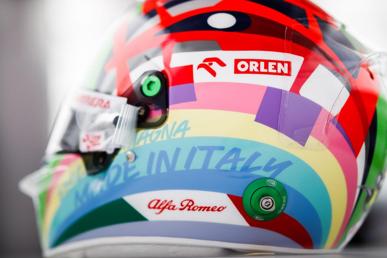 Le nouveau casque de Giovinazzi