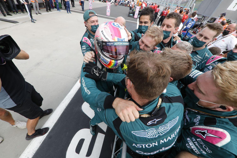Vettel ne récupère pas sa deuxième place pour l'instant