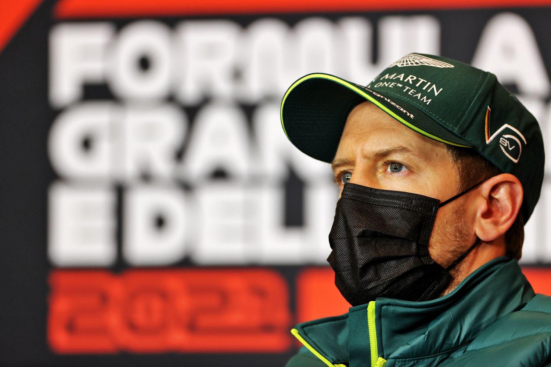 Vettel ne trouve « pas très professionnel » la décision de la FIA