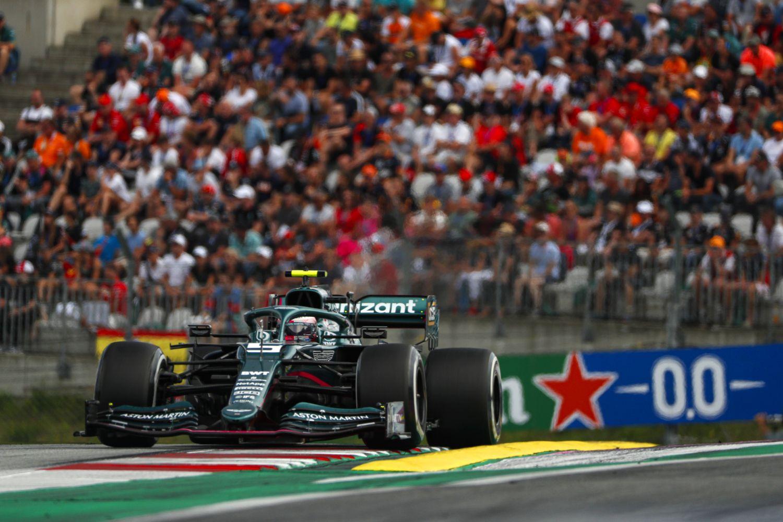 Sebastian Vettel estime que son accrochage est dû à un « malentendu » avec Kimi Räikkönen