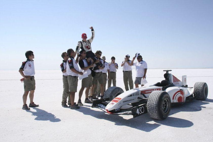 L'équipe du record de Bonneville 400 en 2005 lors du record de vitesse
