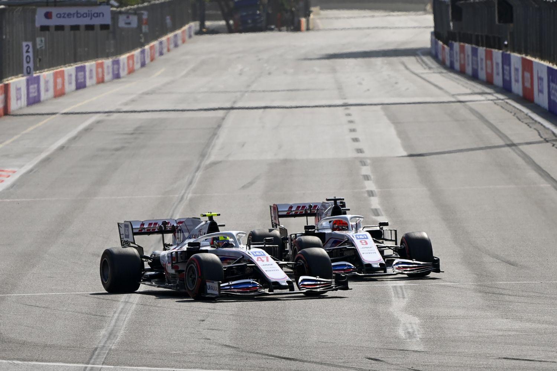 Guënther Steiner s'est entretenu avec ses pilotes à l'issue du Grand Prix
