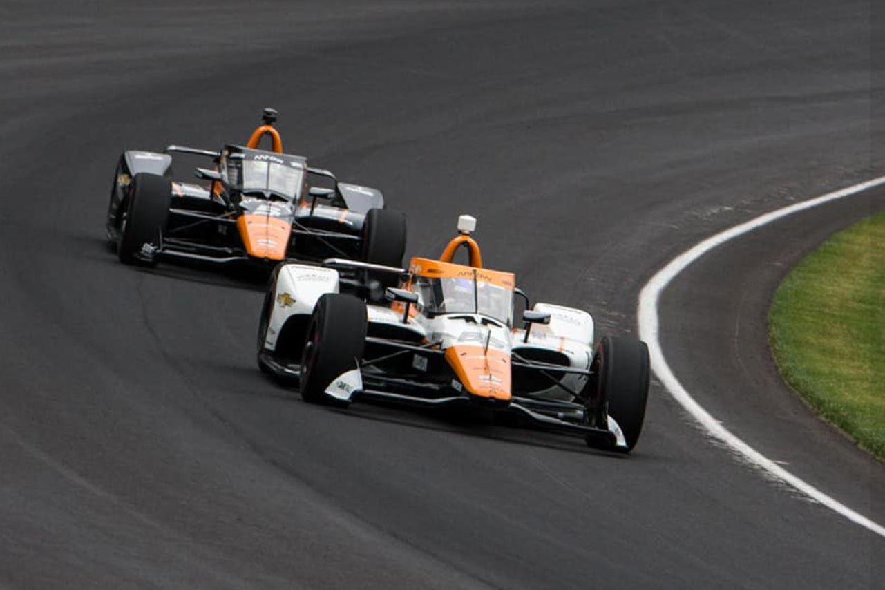 Juan Pablo Montoya au départ de l'Indy 500 à bord de la voiture 86, une McLaren !