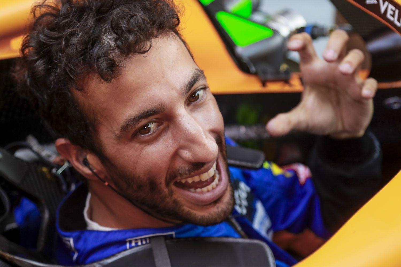 Daniel Ricciardo empoche une sublime victoire à Monza. Norris permet à McLaren de repartir avec un doublé.