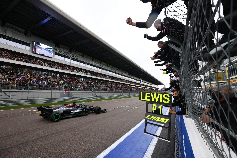 Lewis Hamilton a forgé encore un peu plus sa légende en Russie